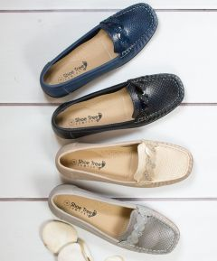 Ladies Wedge Loafer