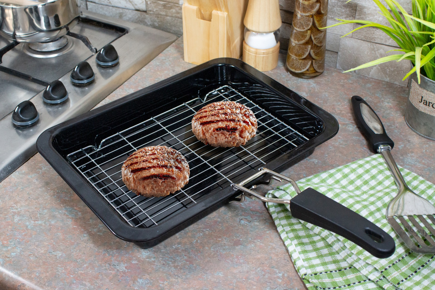 A grill pan with rack.